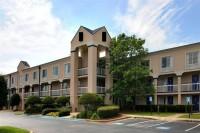 Norcross Inn & Suites
